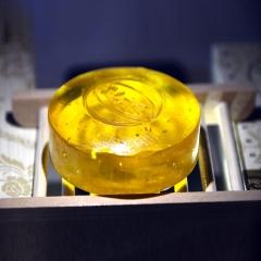 天然植萃手工皂 沉香精油活性金箔手工皂  100g*1/盒